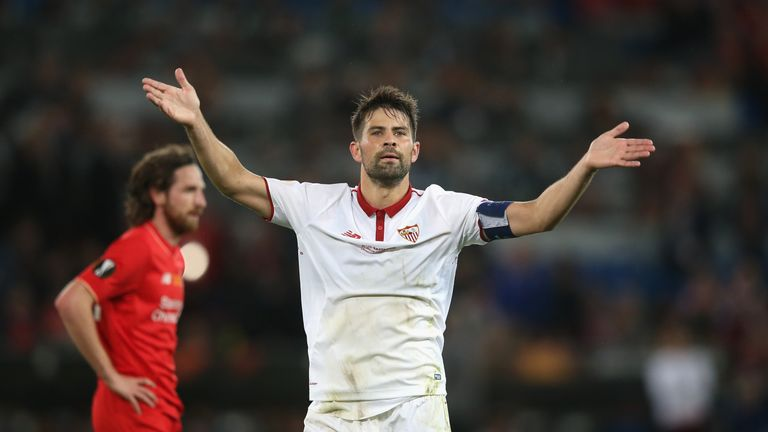 Coke scored twice in the second half to put Sevilla out of reach