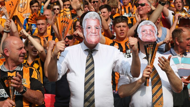 Hull City supporters pay tribute to boss Steve Bruce ahead of the Championship play-off final