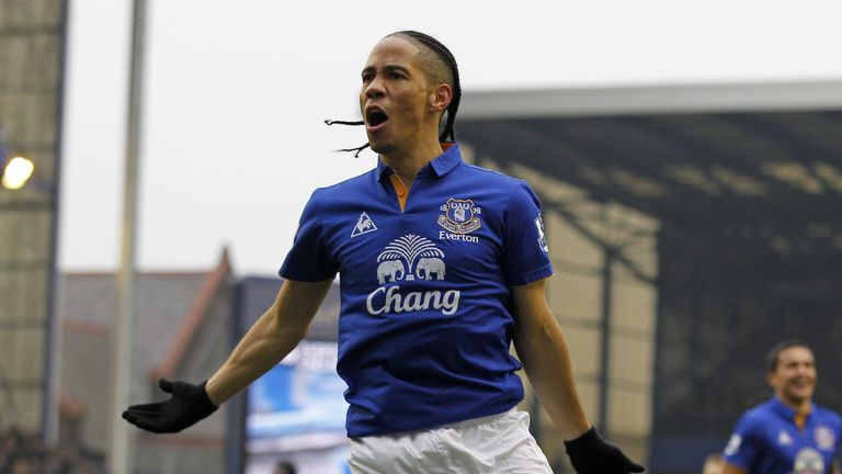 Steven Pienaar is training with Sunderland after being released by Everton earlier this summer