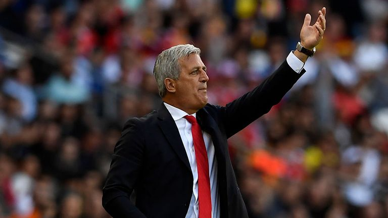 Switzerland coach Vladimir Petkovic instructs his team during the Euro 2016 Group A match