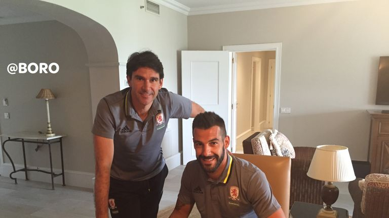 Alvaro Negredo with Aitor Karanka after signing his contract for a season-long loan from Valencia (picture courtesy of Middlesbrough FC)
