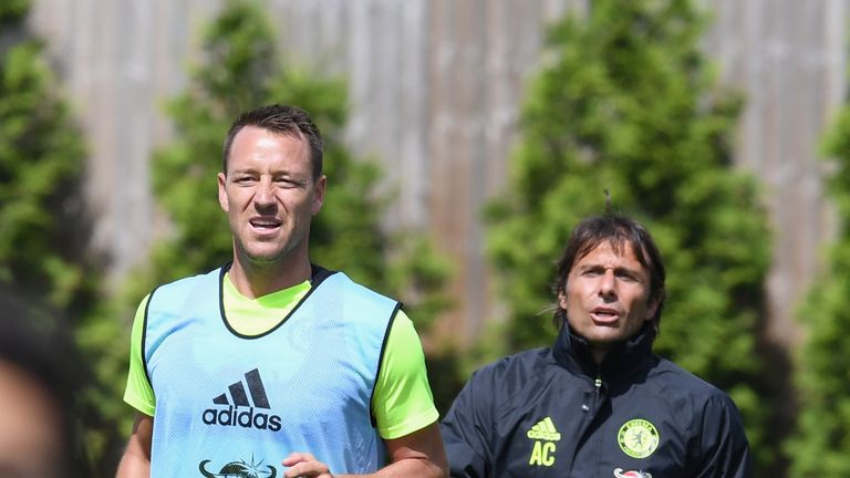 Antonio Conte took Chelsea training for the first time on Thursday