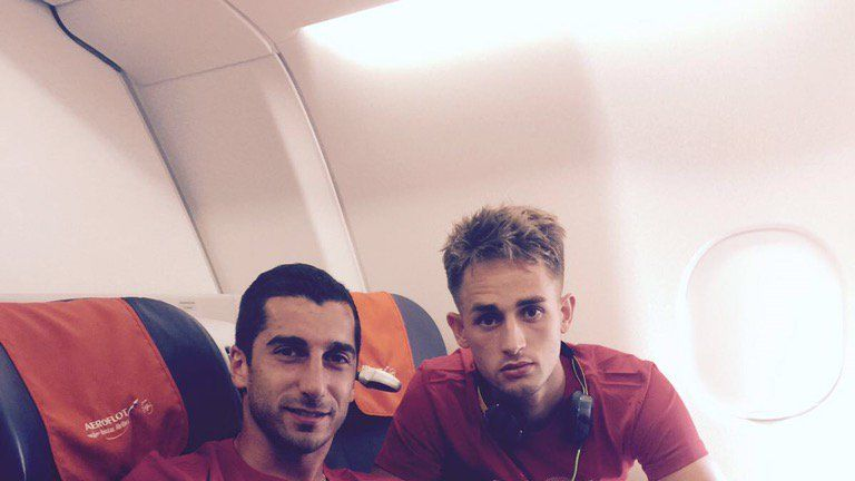 New signing Henrikh Mkhitaryan posed for a snap with Adnan Januzaj (Credit: @henrikhmkh)