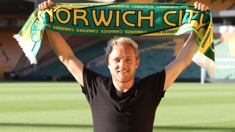 Alex Pritchard has signed a four-year deal with Norwich