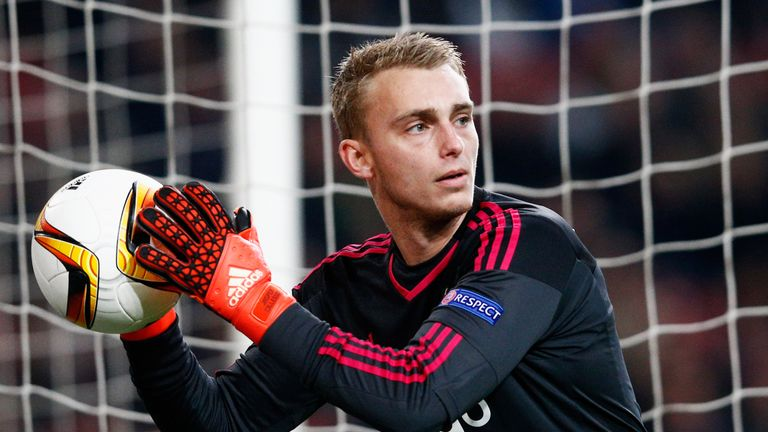 Ajax goalkeeper Jasper Cillessen has joined Barcelona on a five-year contract