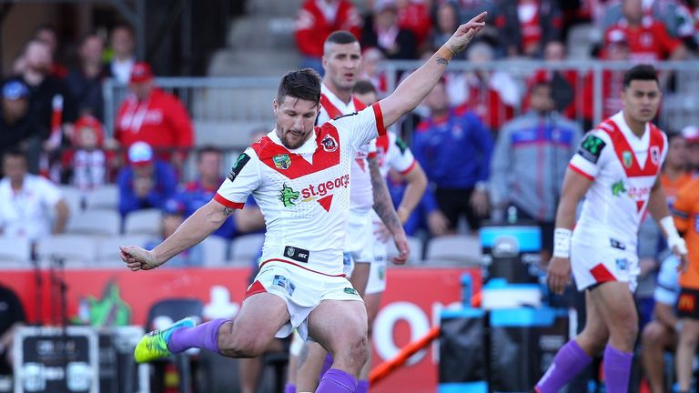 Gareth Widdop kicks a last-minute goal to beat the Knights