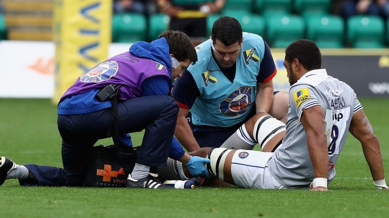 Taulupe Faletau receives attention before being replaced