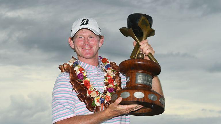 Brandt Snedeker poses with the Fiji International trophy