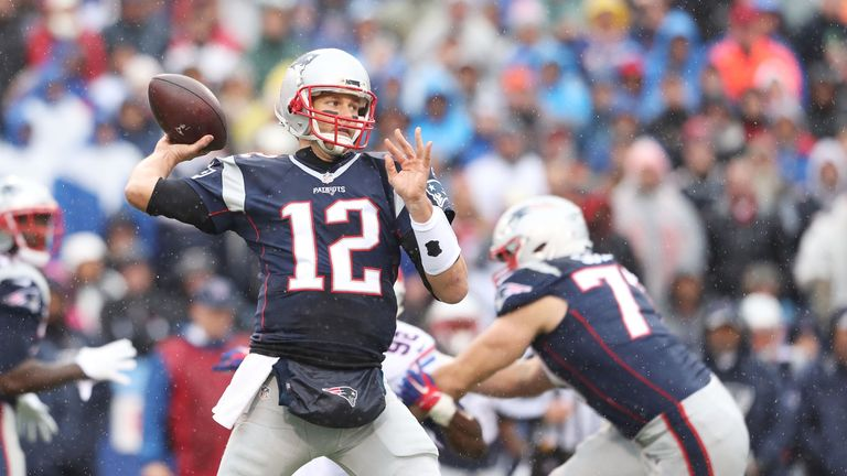 Tom Brady put up another 300 yard-game as the Patriots recorded a fourth straight win and seventh of the season in total