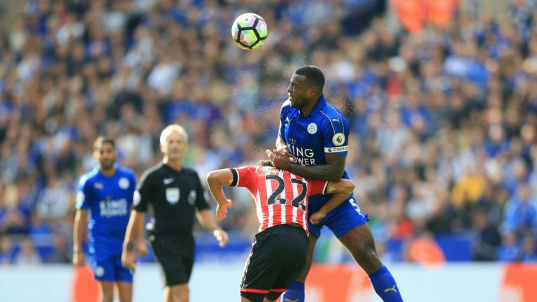 Wes Morgan wins a header as Leicester grind out a 0-0 draw with Southampton