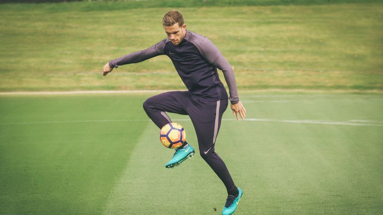Featuring AeroSwift technology, Nike Football Training apparel is engineered for speed