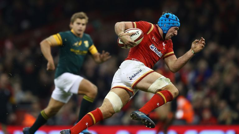 Justin Tipuric breaks clear to score Wales' second try on Saturday