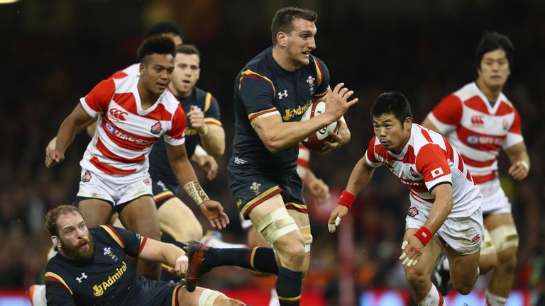 Sam Warburton of Wales bursts through to score
