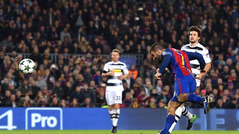 Arda Turan scores Barcelona's second goal against Borussia Monchengladbach