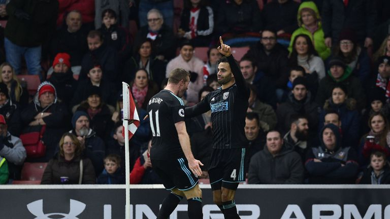 Robson-Kanu (R) puts West Brom in front