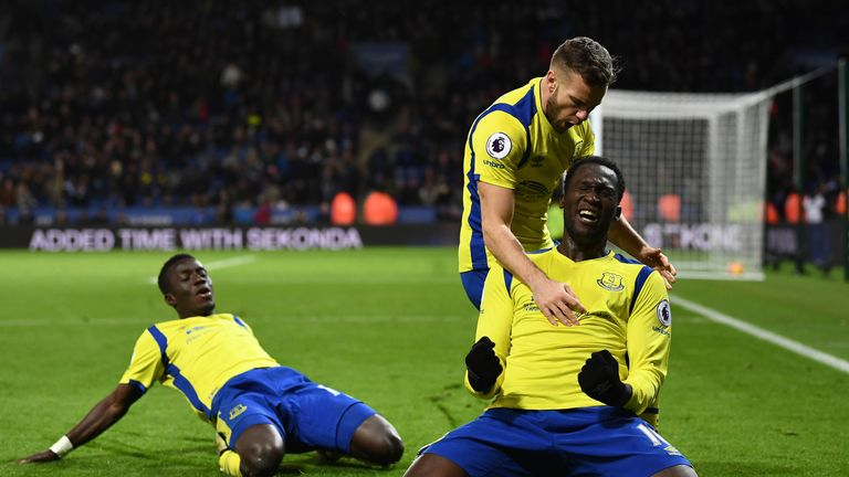 Romelu Lukaku celebrates after netting Everton's second goal against Leicester