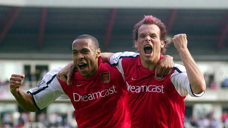 Arsenal's 2001/02 stars Thierry Henry and Freddie Ljungberg celebrate