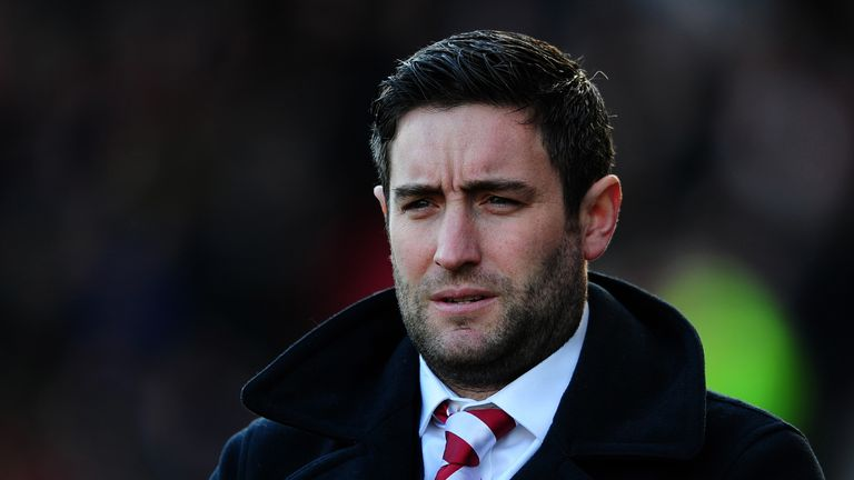 Bristol City manager Lee Johnson has signed youngsters Freddie Hinds and Tin Plavotic