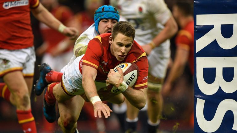 Liam Williams scored to hand Wales the lead at the end of the first half