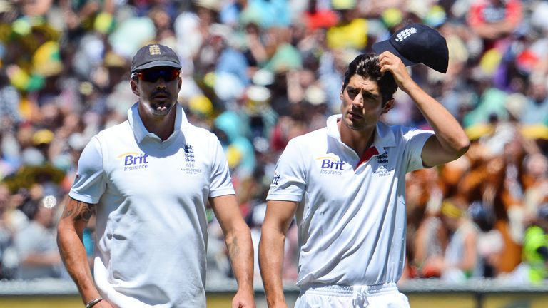 Kevin Pietersen (L) was was told he was no longer part of England's plans in 2014