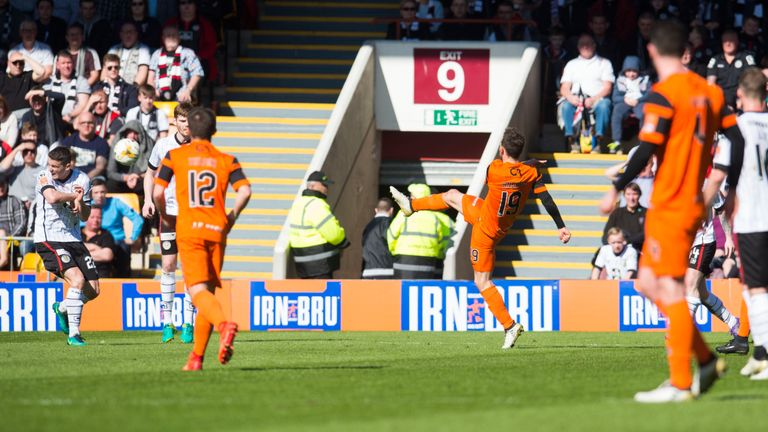 Tony Andreu volleys Dundee United ahead at Fir Park