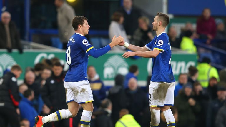 Morgan Schneiderlin (right) is keen for Ross Barkley to remain at Goodison Park