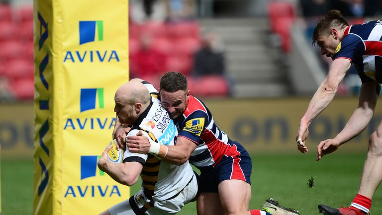 Joe Simpson crosses for Wasps' third try
