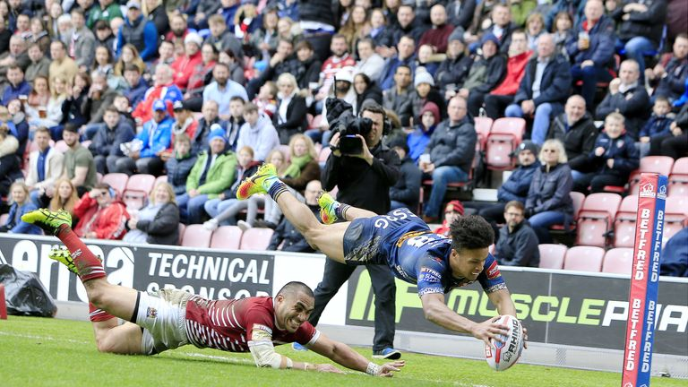 St Helens V Wigan Warriors Key Battles In Super League