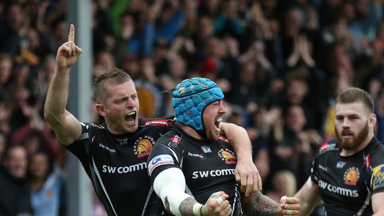 Jack Nowell celebrates his try with team-mate Gareth Steenson