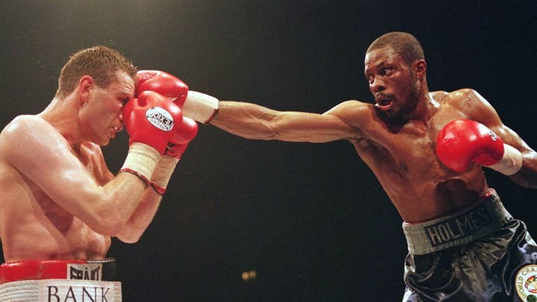 Keith Holmes stopped Rob McCracken in his second stint as WBC middleweight supremo