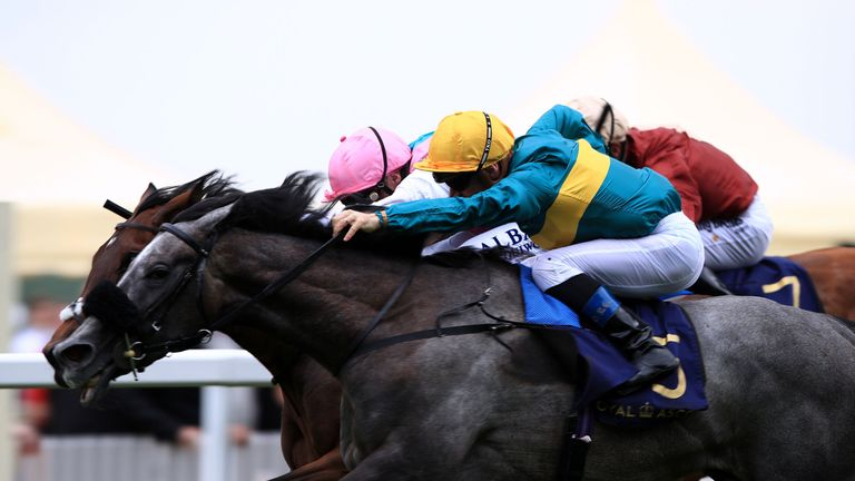 Coronet on the way to winning the Ribblesdale Stakes