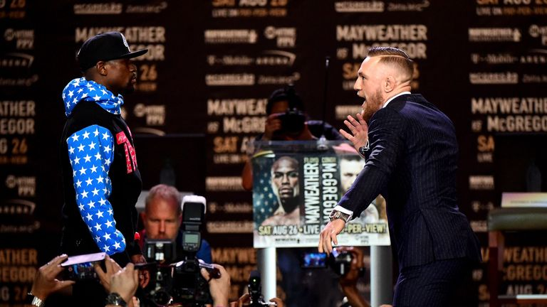 McGregor dances in front of Mayweather