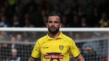 Former Burton Albion player Robbie Weir has signed for Chesterfield after leaving Leyton Orient