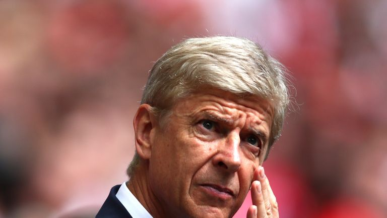 Arsene Wenger remains unpopular with some Arsenal fans