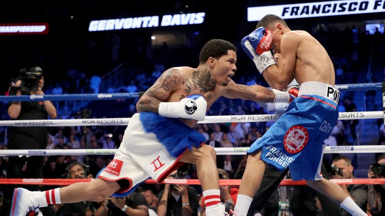 Davis proved too strong for Fonseca at the T-Mobile Arena