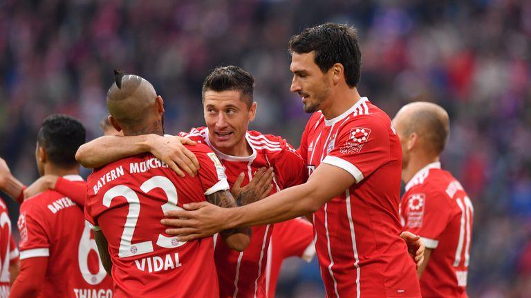 Robert Lewandowski celebrates his goal against Mainz