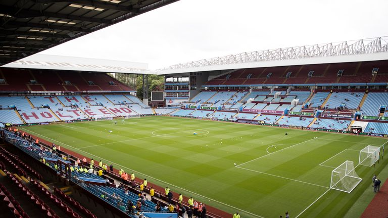 Aston Villa won the match, which took place at Villa Park, 4-2