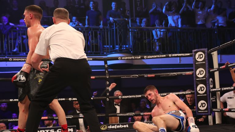 Bellotti knocks Cunningham down in the fifth before ending the contest the next round