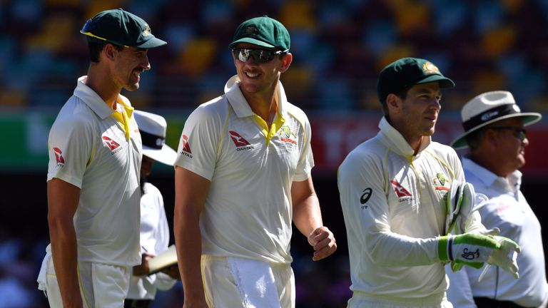 Mitchell Starc (L) and Josh Hazlewood (C) have bombarded England with short pitched bowling