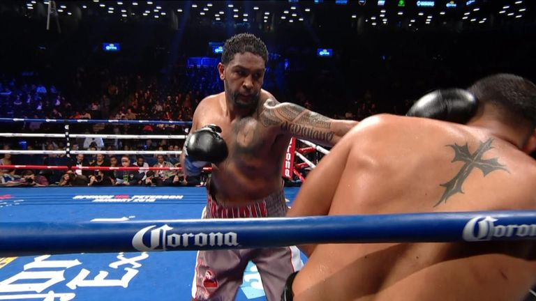Dominic Breazeale stopped Eric Molina in the eighth