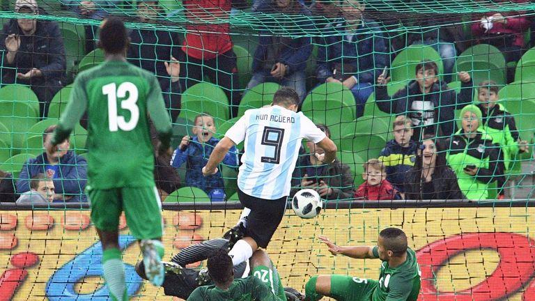Sergio Aguero scores Argentina's second goal against Nigeria