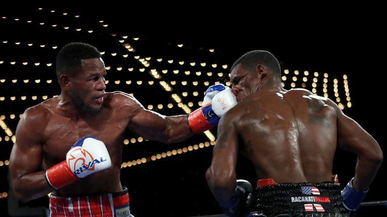 Sullivan Barrera (L) dominated Felix Valera over ten rounds at Madison Square Garden