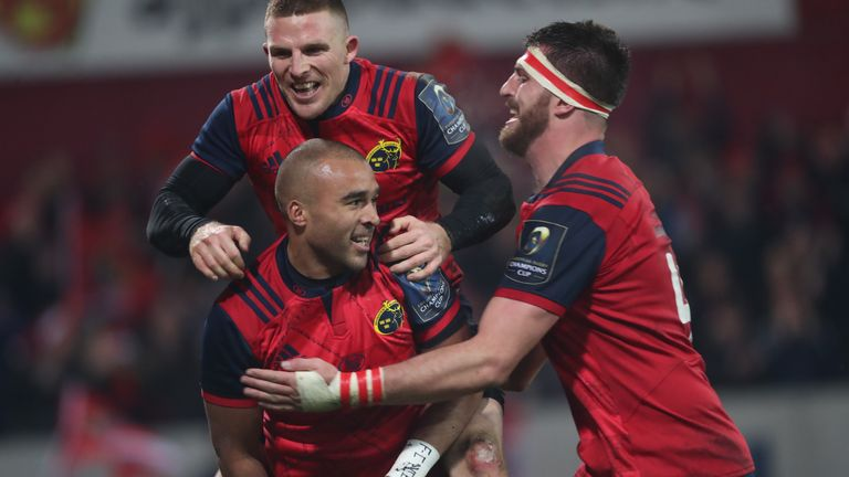 Munster's Simon Zebo celebrates a try against Leicester at Thomond Park