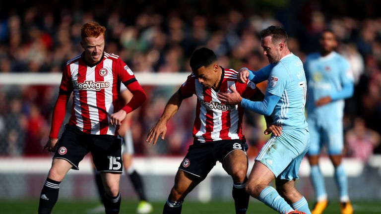 Dean Smith will be able to call upon midfielder Nico Yennaris for Tuesday's trip to the Pirelli Stadium