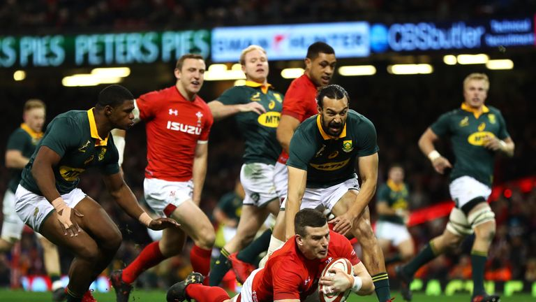 Scott Williams of Wales touches down for the first try  against  South Africa