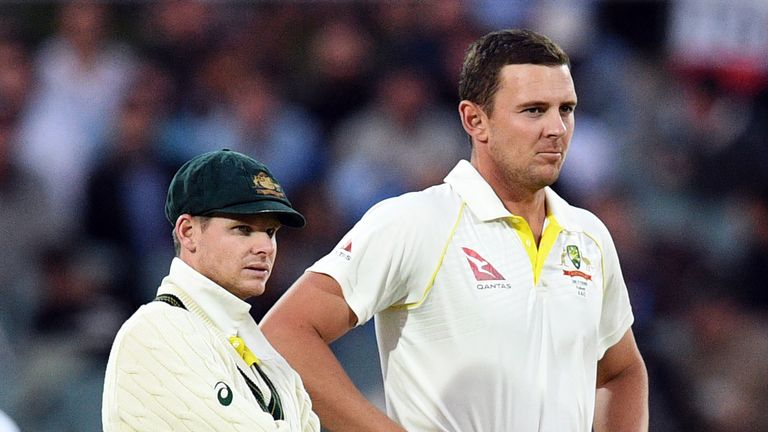 Smith (L) admitted to having a few nerves during England's second inngs