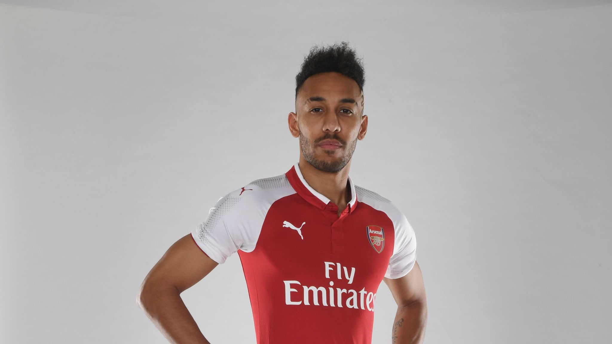 buy popular 3f110 39e6b Arsenal sign Pierre-Emerick Aubameyang from Borussia ...