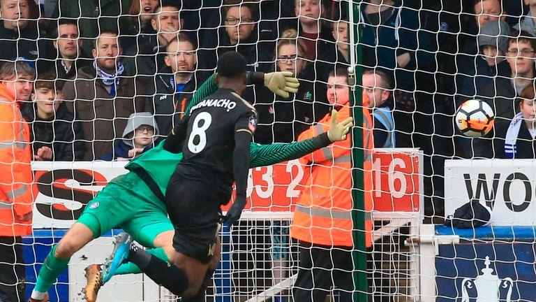 Kelechi Iheanacho (R) scored twice in Leicester's win