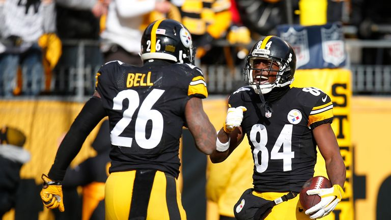 Le'Veon Bell and Antonio Brown celebrate a touchdown