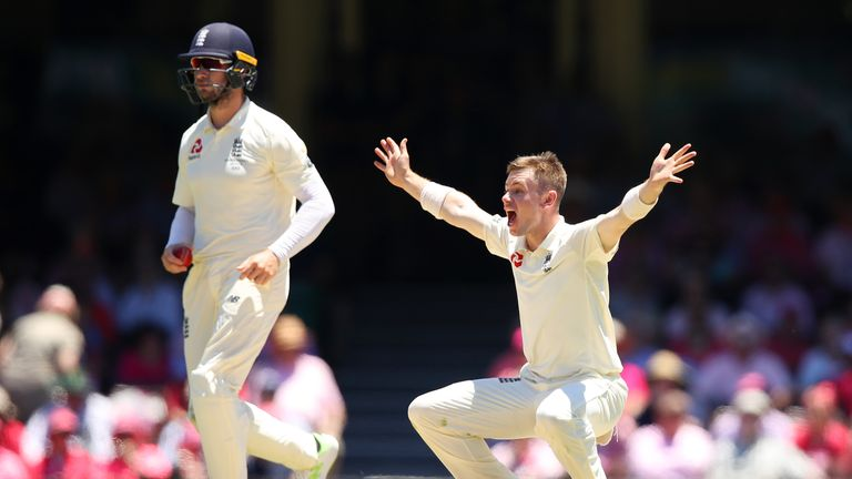 Mason Crane should stay in the England side for their Tests in New Zealand, says Nasser